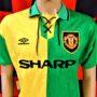 1992-1994 Manchester United (Eric Cantona) Umbro Football Shirt (Adult Medium)